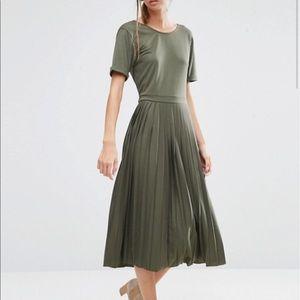 EUC ASOS Olive Green Pleated Midi Dress